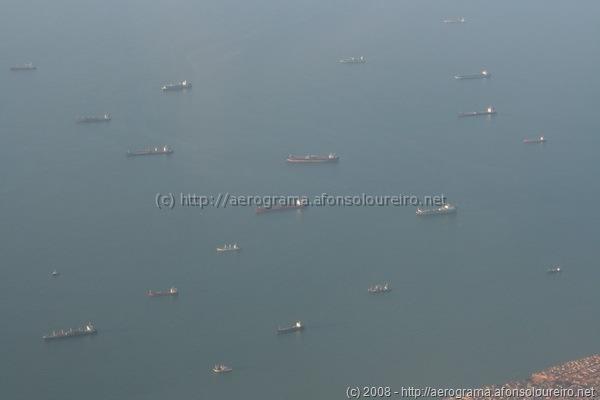 Navios ancorados