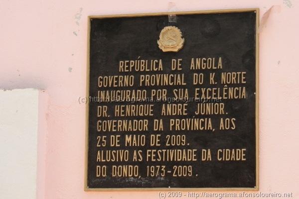 Placa comemorativa da inauguração do pavilhão