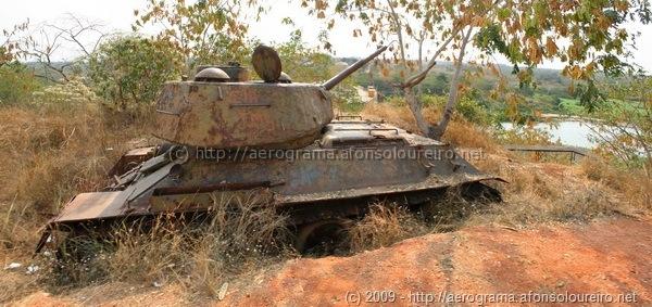 Tanque russo abandonado