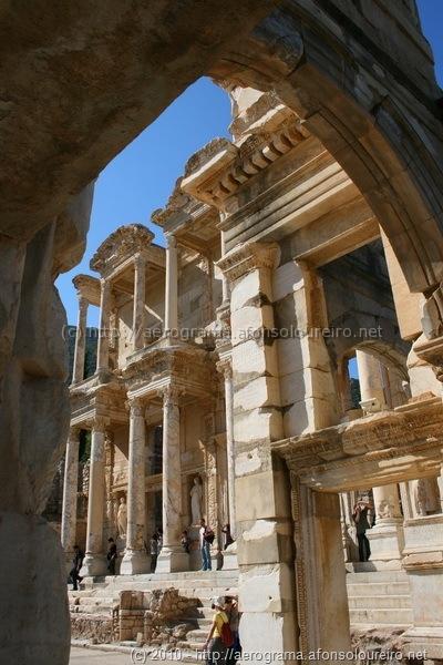 Ruínas da Biblioteca de Éfeso, na Turquia