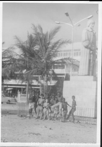 Estátua de Paulo Dias de Novais em 18/12/1972