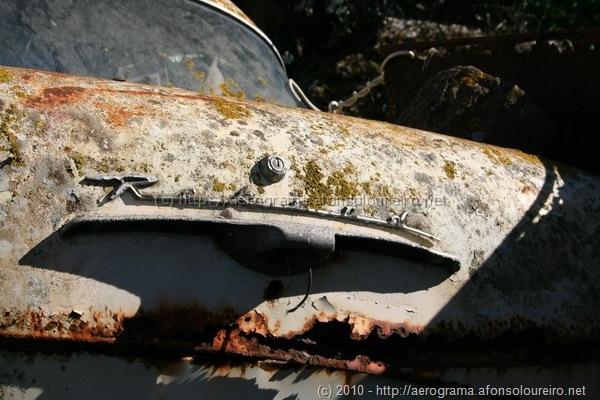 Opel Rekord abandonado