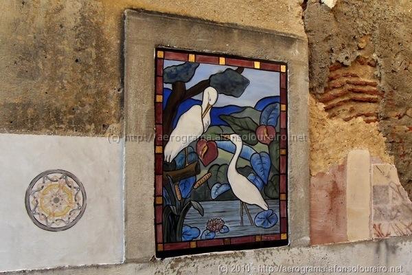 Vitral pintado na ruína
