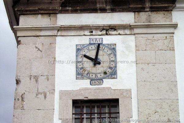 Relógio na Igreja matriz da Santa Cruz